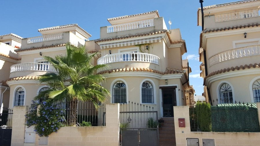 Detached Villa For sale La Marina