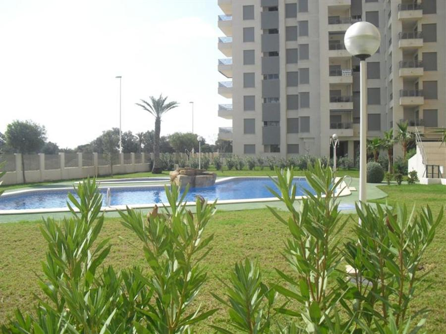 2 Bedroom Guardamar del Segura Apartment - Middle Floor