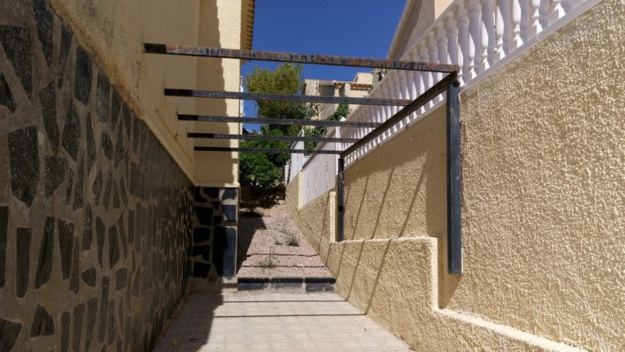 La Marina Alicante Detached Villa 129000 €