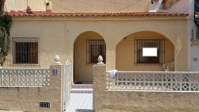 1084: Townhouse in La Marina