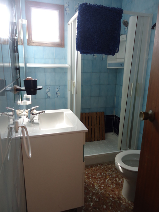 For longterm 4 Bedroom Apartment
