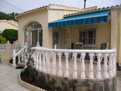 982: Detached Villa in La Marina