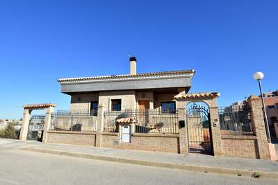 Ref:1148 Villa For Sale in Torrevieja