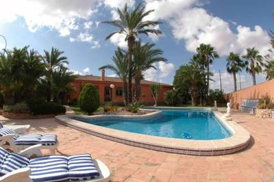 Ref:1177 Villa For Sale in Torrevieja