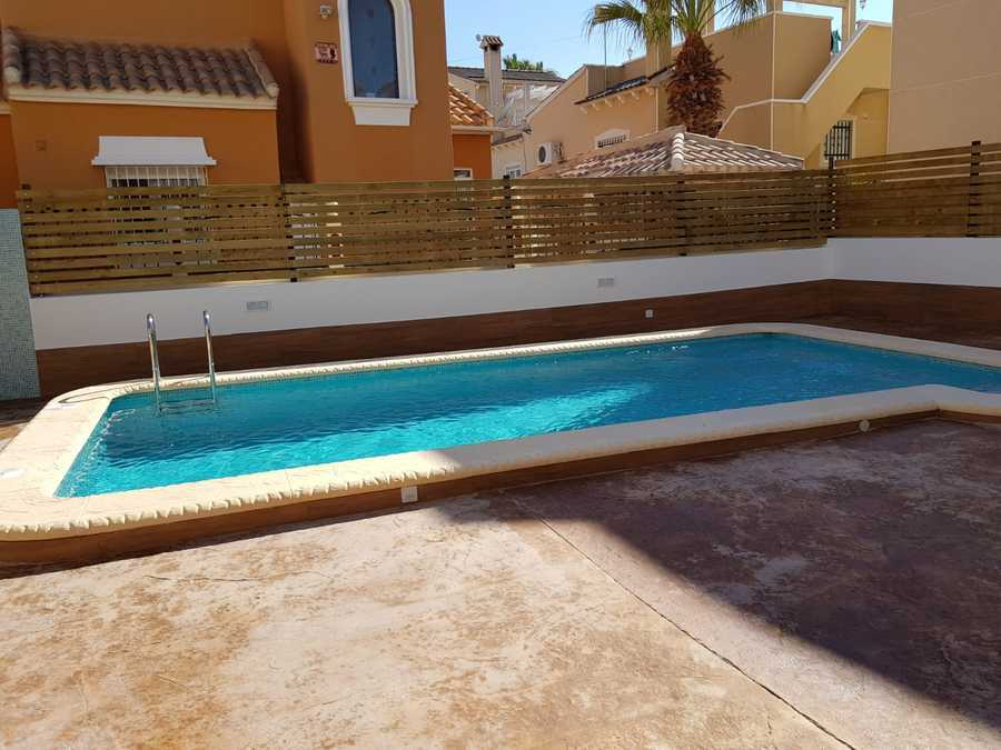 1187: Villa for sale in Villamartin