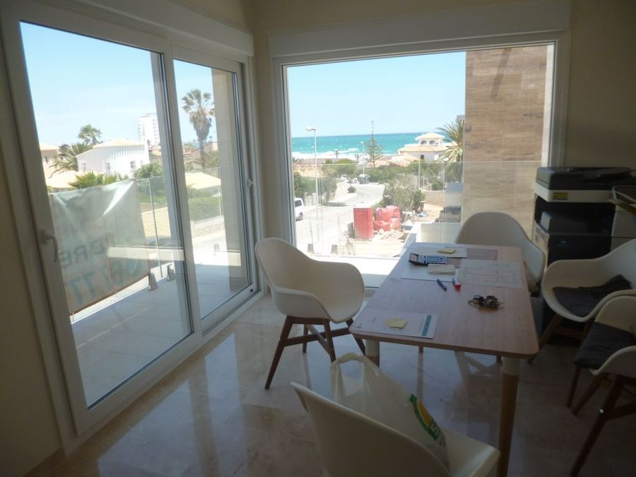 1194: Villa for sale in La Zenia